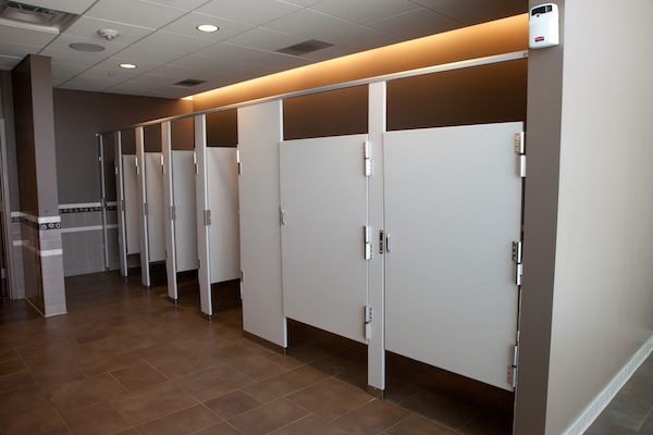 5 major differences between american european toilets for European bathroom stalls